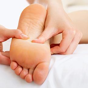 足のしびれ case 07|足のしびれが坐骨神経痛ではなく、腰部の靭帯による圧迫で起こっていた!?